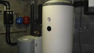 Geothermische WP Stiebel-Eltron WPF7 met LWM250 verluchtingsmodule en Solarboiler